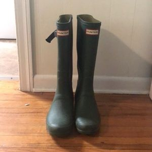 HUNTER HUNTRESS BOOTS- SIZE 8